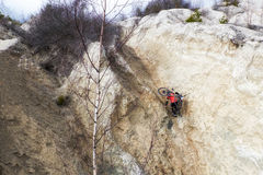 Cyclist climbs up the mountain Stock Photography