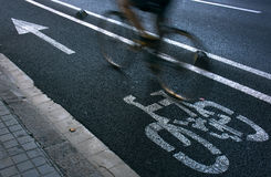 Cyclist on urban cyceway Royalty Free Stock Photos