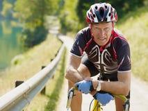 Cycliste aîné Image stock