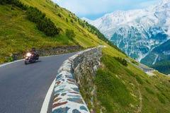 Cycliste alpin de route images libres de droits