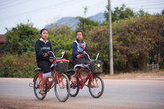 Cycliste au Laos Photo stock