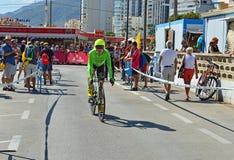 Cycliste de course sur route photo stock