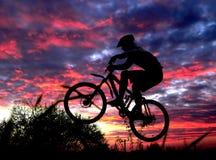 Cycliste de montagne Photo stock
