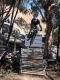 Cycliste de montagne Photographie stock