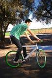 Cycliste fixe de trains photo libre de droits