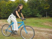 Cycliste sur la route Images libres de droits