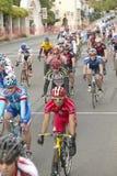 Cyclistes amateurs d'hommes concurrençant dans le circuit d'emballage national de Garrett Lemire Memorial Grand Prix (NRC) le 10  Images libres de droits