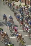 Cyclistes amateurs d'hommes concurrençant dans le circuit d'emballage national de Garrett Lemire Memorial Grand Prix (NRC) le 10  Image libre de droits
