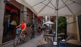 Cyclistes décontractés Images libres de droits
