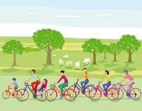Cyclistes dans la campagne illustration libre de droits