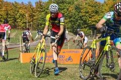 Cyclocross bariery doskakiwanie Fotografia Stock