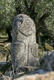 Cyclopean murverk och menhirs på kullarna av Filitosa, sydliga Korsika arkivbild
