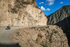 Cyclus het reizen in Yunnan stock fotografie