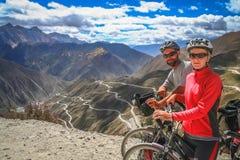 Cyclus het reizen in Yunnan royalty-vrije stock fotografie