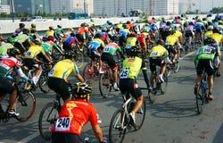 Cyclusras, de sportactiviteit van Azië, Vietnamese ruiter Stock Afbeeldingen