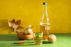 Cydr, jabłka i cynamon, obrazy stock