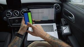 Cyfrowego koczownika ?limacznic chroma klucza millennial telefon zbiory wideo
