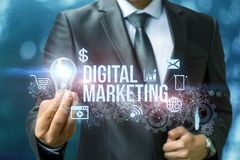 Cyfrowego marketing pokazuje biznesmena Fotografia Royalty Free