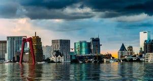 Cyfrowej manipulacja zalewający Rotterdam, holandie śródmieścia linia horyzontu obraz royalty free