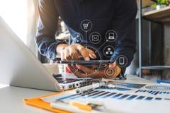 Cyfrowej marketingowa Biznesowa robi prezentacja obraz stock