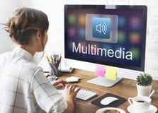Cyfrowej Multimedialnej rozrywki Muzyczny Leje się Online pojęcie zdjęcie stock