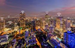 Cyfrowej sieci zwi?zek i ikony z Bangkok ?r zdjęcie royalty free