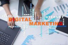 cyfrowej technologii marketingowy pojęcie Online SEO SMM target31_1_ Słowo chmura Fotografia Royalty Free