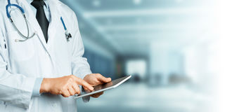 cyfrowy doktorski używać pastylki Opieki zdrowotnej medycyny pojęcie Obrazy Stock