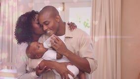 Cyfrowy złożony szczęśliwi rodzice karmi mleko syn