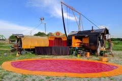 Cygański carvan cyrkowy plenerowy występ Obrazy Royalty Free