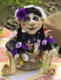 Cygańskie Handmade miękkich części zabawki na drewnianym stole obrazy royalty free