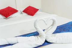 Cygnes de serviette formés Photos libres de droits