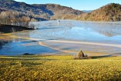 Cyjanek jezioro przy Geamana Rumunia Fotografia Stock