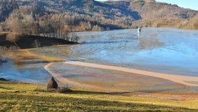 Cyjanek jezioro przy Geamana Rumunia Obrazy Stock