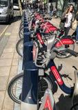 Cykel-dela systemet i London royaltyfri bild