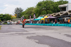 Cykel för motard för oidentifierat racerbiljippo toppen Arkivfoton