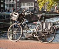 Cykel i Amsterdam Arkivbild