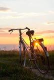 Cykel i solljus Arkivbilder