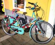 Cykel och klockor Arkivbilder