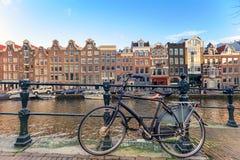 Cykel på Amsterdam Royaltyfri Bild