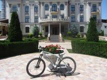 Cykel på en härlig bakgrund Royaltyfri Bild