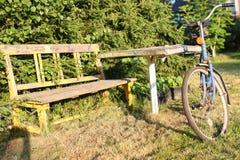 Cykel på en lantlig natur Royaltyfri Foto