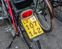 Cykel på gatan i Luzern, Schweiz arkivbild