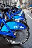 Cykel som delar i New York Royaltyfri Bild