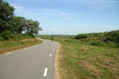 Cykelgränd till och med naturreserv Arkivbild