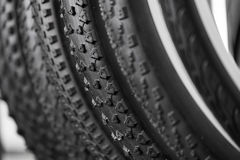 Cykelgummihjul av olika beskyddanden Arkivbild