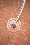 Cykelhjul med gammal stil Arkivfoto