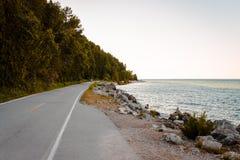 Cykelhuvudväg i Michigan på den Mackinac ön Arkivbild