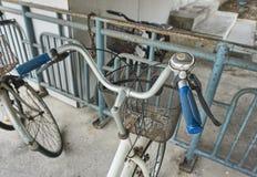 Cykelklocka och handtag Arkivfoton