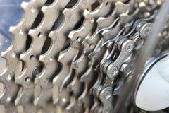 Cykelkugghjul och kedja royaltyfri fotografi